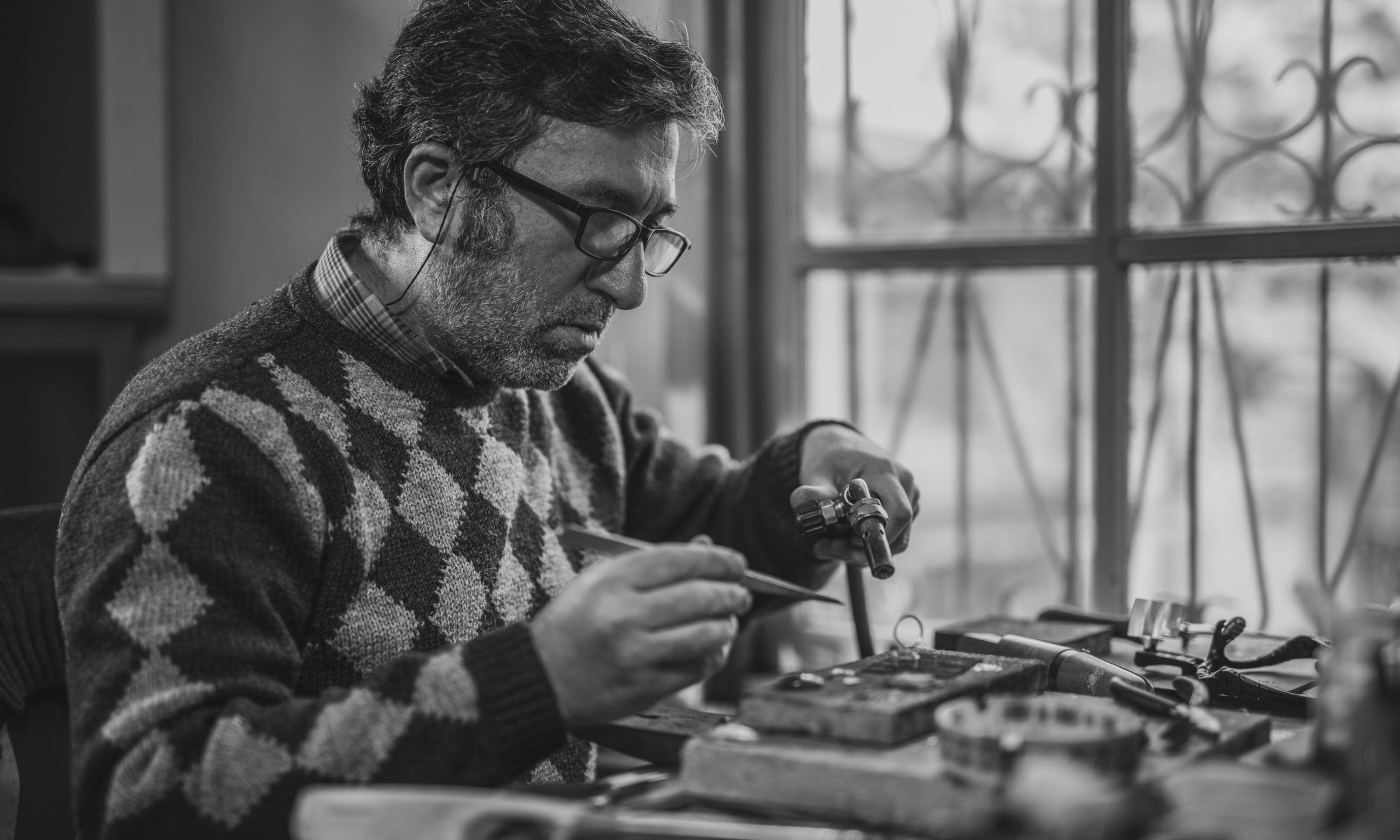 Become a Jeweller at the Academy of Jewellery manufacture and Design